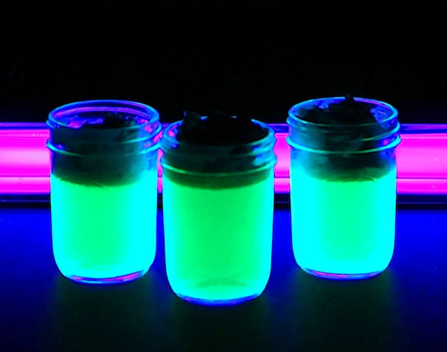 Glow-in-the-Dark Jell-O : Glow-in-the-dark Jell-O is here, to be ...