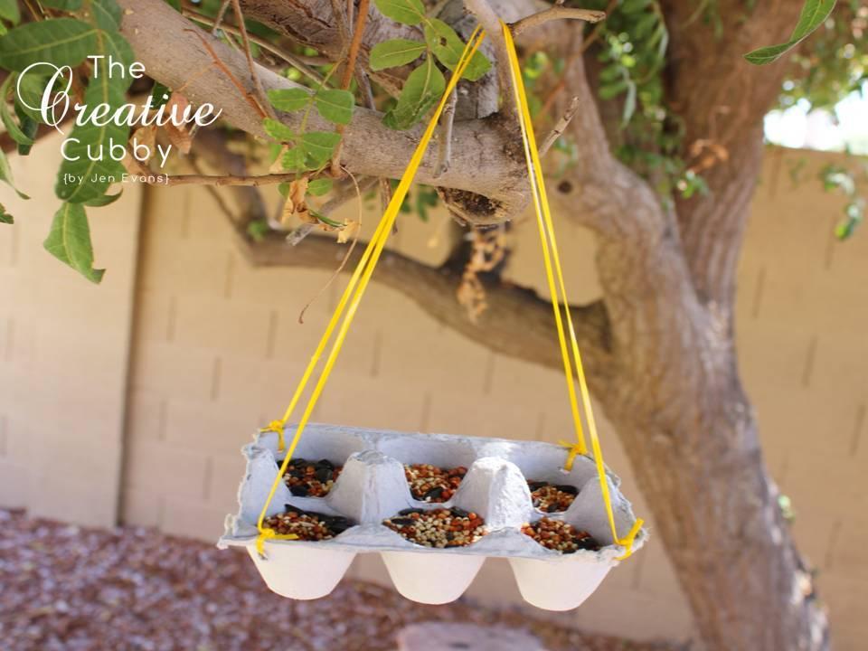 Alimentadores caseros del pájaro de EASY para los cabritos | Mamá inspirada por el B