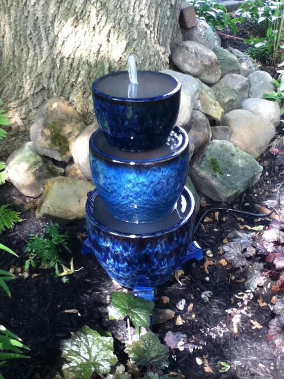 50 awesome water features diy ideas to make any home for Pot water fountain designs