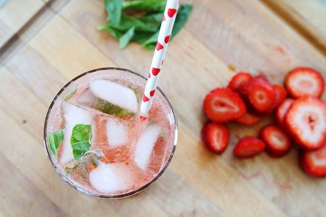 26. Strawberry Basil Mojito (via Julie Ann Art )