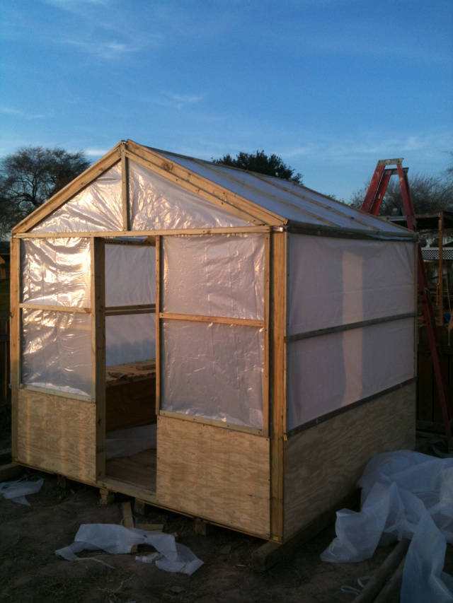 35 great and cheap diy greenhouse projects ideas page 6 for Diy greenhouse plans free