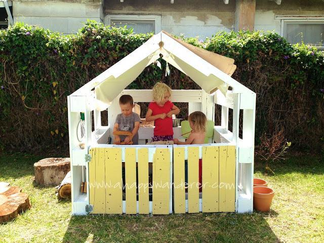 Как сделать дом из поддонов своими руками