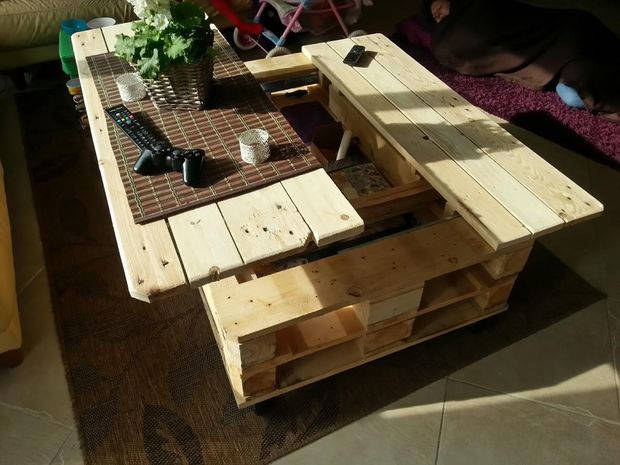 Multifunction Pallet Coffee Table With Storage