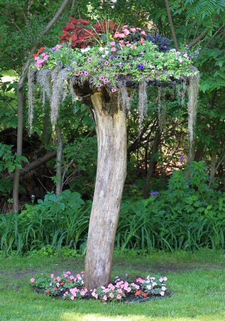 35 project ideas to recycle tree stumps for garden art and for Garden artist designs