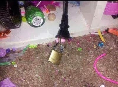 Padlock the plug