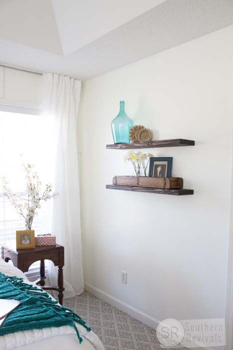 Quick, Easy and Cheap Floating Shelves