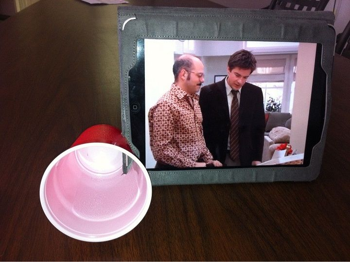 Use Plastic Cup as Your iPad Amplifier