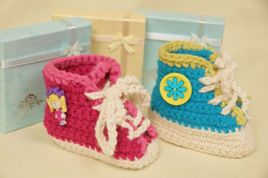 Crochet Baby Booties High Top Converse Style Pattern : 35 Cute Crochet Baby Booties Ideas You Can Easily Make ...