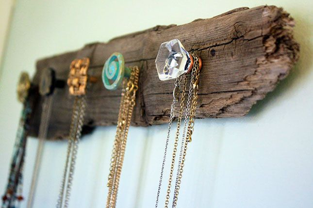 Driftwood and Knobs Jewelry Rack