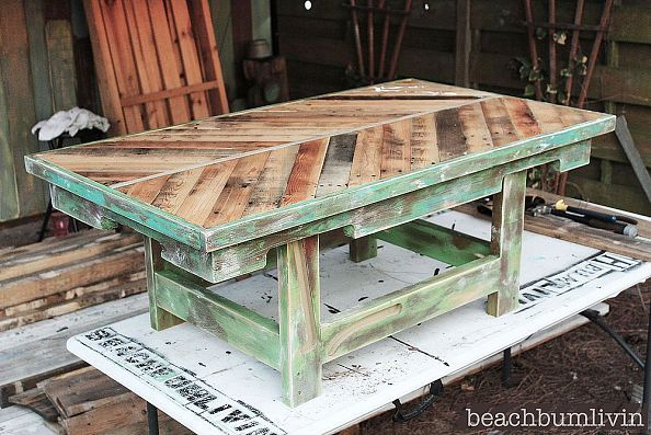 11 Pallet Wood Coffee Table