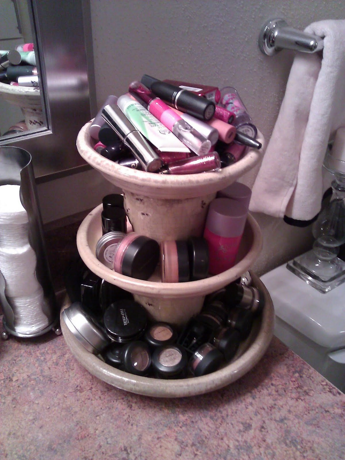 3 Planter Make-up Holder & 40 Simple DIY Makeup Organization and Storage Ideas u2013 ListInspired.com