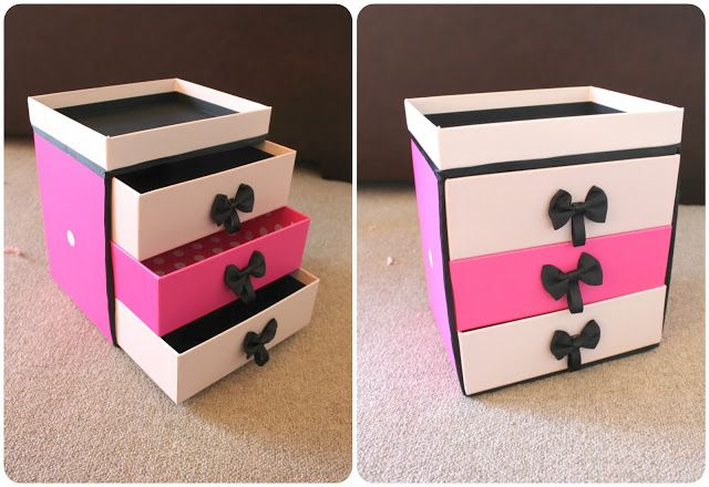 Make-up Storage with Compartments