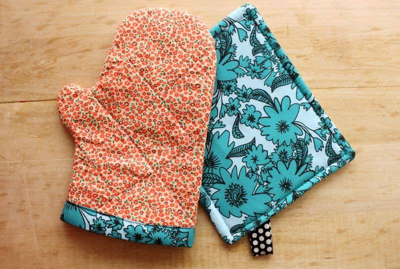 Oven Mitt and Hot Pad