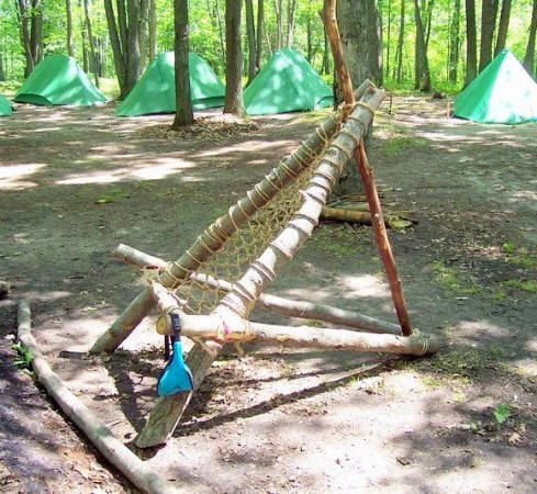 45 creative camping hacks every camper should know that for Make a rope hammock
