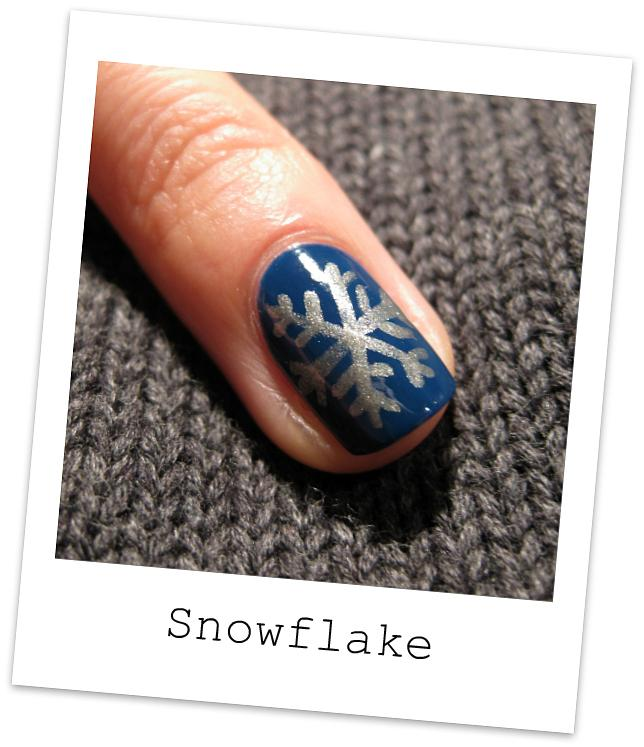 35 Awesomely Cute Christmas Nail Art Diy Ideas Page 5
