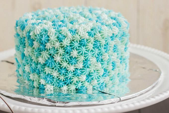 Easy Diy Cake Decorating Ideas : 35 Awesomely Creative Ways to Decorate a Cake that Anyone ...