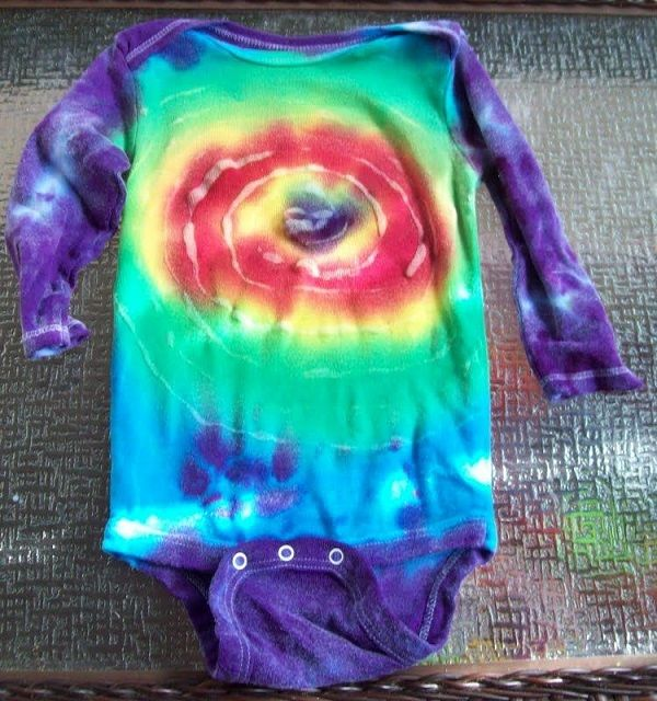 Hot Glue Tie-Dye