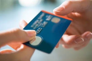 10 Expert Tips To Manage Your Credit Card Wisely
